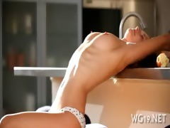 breasty hottie positions on livecam